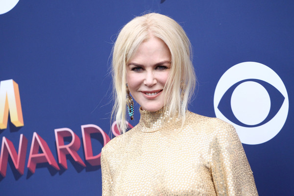 Nicole Kidman opted for a loose, center-parted bun when she attended the 2018 ACM Awards.