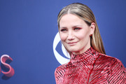 Jennifer Nettles kept it super simple with this slick straight style at the 2018 ACM Awards.