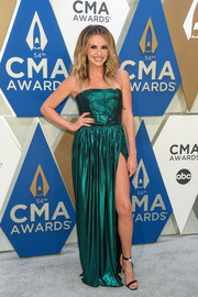 Carly Pearce donned a strapless emerald-green gown with a high slit for the 2020 CMA Awards.