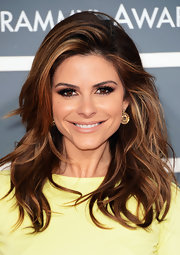 Maria Menounos' beachy waves were casual yet glamorous on the red carpet at the 2013 Grammys.