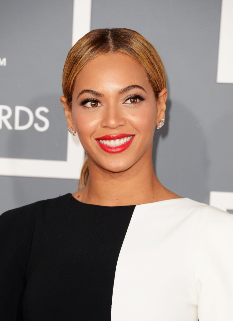 Singer Beyonce arrives at the 55th Annual GRAMMY Awards at Staples Center on February 10, 2013 in Los Angeles, California.