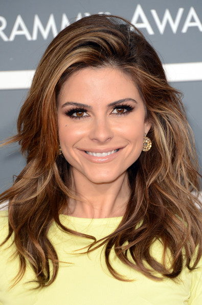More Pics of Maria Menounos Long Wavy Cut (4 of 6) - Maria Menounos Lookbook - StyleBistro
