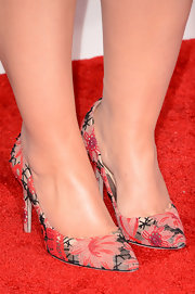 Adele was all about florals at the 2013 Grammys, even with her pink floral pumps!
