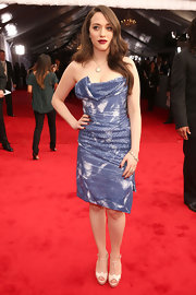Kat Dennings added a vintage touch with a pair of nude T-strap peep-toes.