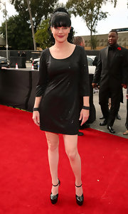 Pauley Perrett kept things simple in a little black sequined dress for the Grammy Awards.