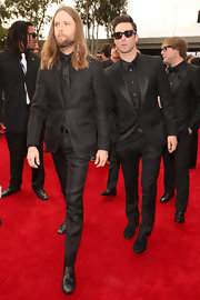 Adam Levine and the guys of Maroon 5 kept it simple on the red carpet with solid black suits.