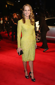 Helen Hunt's black peep-toe pumps were a sharp contrast to her lacy yellow shift.