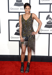 Alicia Quarles went for a sexy '20s vibe at the Grammys in an embellished cocktail dress with a fringed asymmetrical hem.