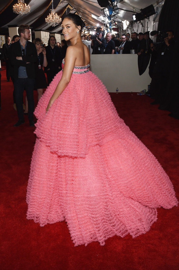 Rihanna\'s Pink Grammy Gown by Giambattista Valli (Photos) - Grammy ...