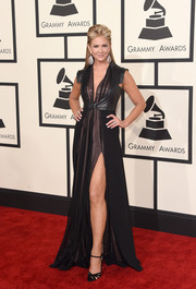 Nancy O'Dell flaunted some leg in a high-slit black gown during the Grammys.
