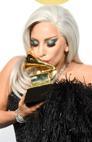 Lady Gaga showed off a magnificent Lorraine Schwartz diamond bracelet at the Grammy Awards.