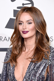 Nicole Trunfio showed off perfectly styled center-parted waves at the Grammys.