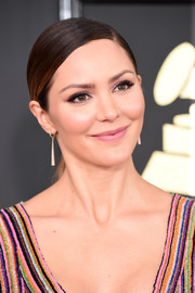 Katharine McPhee went for easy elegance with this slicked-down ponytail at the 2017 Grammys.