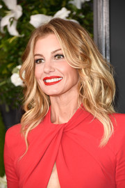 Faith Hill topped off her look with high-volume waves when she attended the 2017 Grammys.