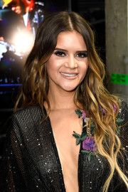 Maren Morris accentuated her eyes with thick false lashes for her Grammys beauty look.