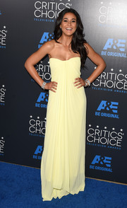 Emmanuelle Chriqui brought a drop of sunshine to the Critics' Choice Television Awards with this pale-yellow strapless dress by Monique Lhuillier.