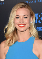 Yvonne Strahovski opted for a simple wavy hairstyle when she attended the Critics' Choice Television Awards.