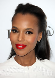 Kerry Washington arrived at the 5th Annual 'Essence' Black Women in Hollywood Luncheon wearing a dramatic red lipstick with her crisp white suit.