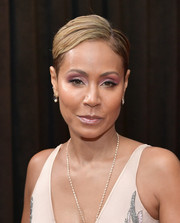 Jada Pinkett Smith rocked a short side-parted 'do at the 2019 Grammys.