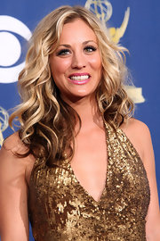 Kaley Cuoco channeled Old Hollywood with big sunkissed curls.