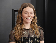 Maggie Rogers looked lovely with her long wavy hairstyle at the 2020 Grammys.