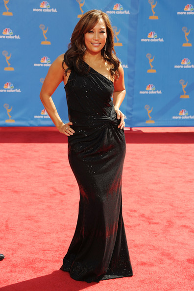 Carrie Anne showed off her curves in a one-shoulder black gown.