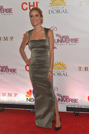 Kristin Cavallari cut a svelte and sophisticated figure in a metallic column dress during the Miss Universe Pageant.
