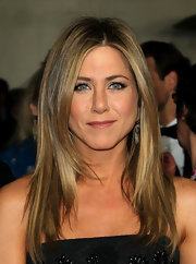 Jennifer Aniston attended the 64th Annual Directors' Guild Awards wearing a pair of diamond fringe pendant earrings.