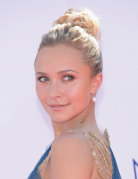 Hayden Panettiere's Regal Bun and Luminous Glow