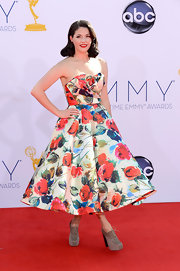 Kenley Collins went the retro route in this full floral tea-length dress.