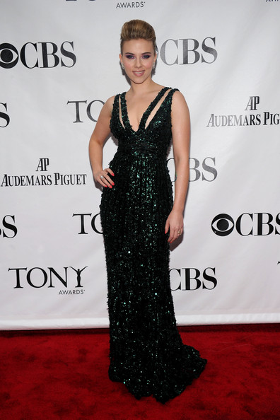http://www1.pictures.stylebistro.com/gi/64th+Annual+Tony+Awards+Arrivals+9yTYGORXWh1l.jpg
