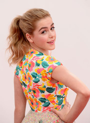 Kiernan looked youthful as ever with a bouncy wavy ponytail.