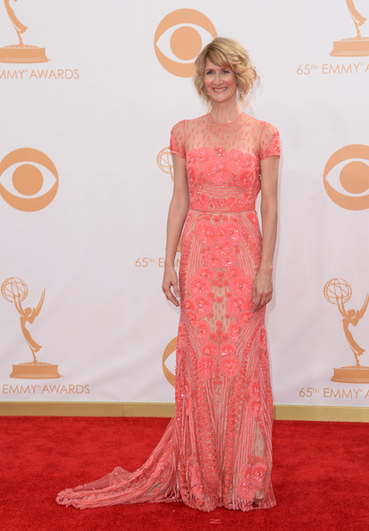 More Pics of Laura Dern Curled Out Bob (6 of 23) - Laura Dern Lookbook - StyleBistro