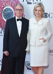 Diane Sawyer kept it simple yet elegant in a white skirt suit at the Tony Awards.