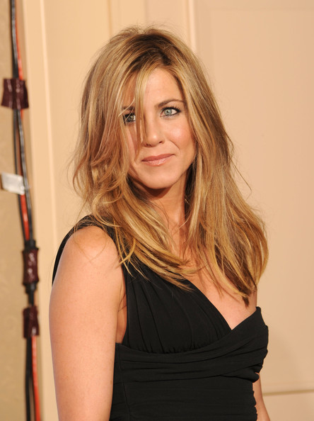 More Pics of Jennifer Aniston Gold Bracelet (1 of 29) - Jennifer Aniston Lookbook - StyleBistro