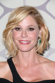 Julie Bowen sported a wavy bob at the Emmy Awards Fox after-party.
