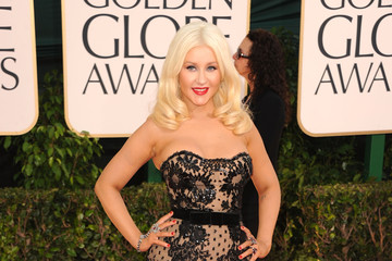 Christina Aguilera Is Buxom in Black Zuhair Murad at the Golden Globe Awards