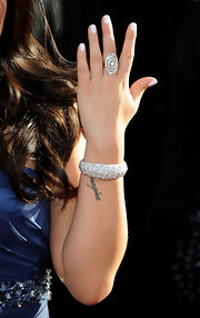 Jenna Ushkowitz sparkled on the red carpet in a decadent diamond bracelet.