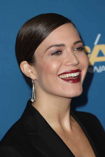Mandy Moore looked elegant with her slicked-back bun at the Directors Guild of America Awards.