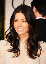 Jessica Biel attended the 69th Annual Golden Globe Awards wearing her dark tresses in tousled waves.