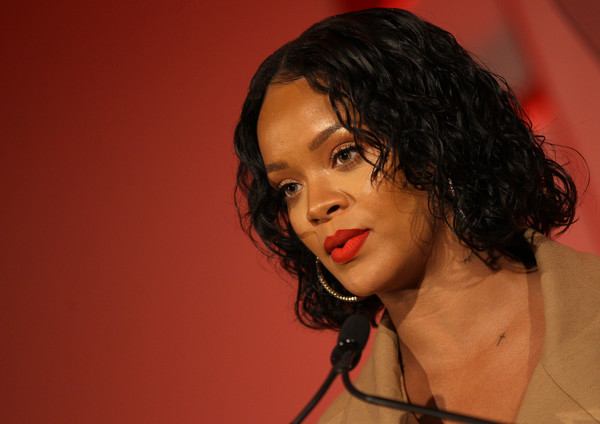 More Pics of Rihanna Curled Out Bob (4 of 88) - Rihanna Lookbook - StyleBistro [hair,lip,chin,hairstyle,singer,nose,forehead,cheek,black hair,human,rihanna,honoree,stage,acceptance remarks,pier 60,new york city,annual parsons benefit]