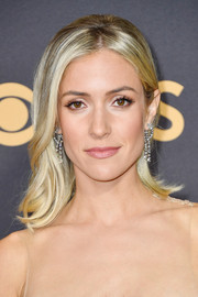 Kristin Cavallari styled her hair with flippy ends for a retro-chic look during the 2017 Emmys.