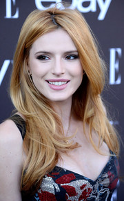 Bella Thorne looked oh-so-pretty wearing this face-framing center-parted 'do at the Elle Women in Music celebration.
