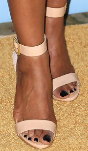 Shaun Robinson opted for classic sandals with an ankle strap for her look at the Black Women in Hollywood Awards Luncheon.
