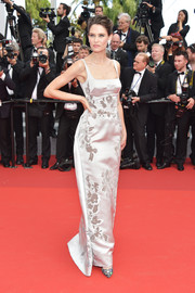 Bianca Balti brought a touch of vintage glamour to the Cannes Film Festival 70th anniversary event with this white Dolce & Gabbana Alta Moda satin gown.