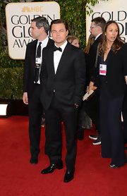 Leonardo DiCaprio looked totally elegant all the way down to his black Oxfords at the Golden Globe Awards.