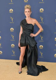 Kristin Cavallari looked like a work of art in this sculptural black off-the-shoulder dress by Maison Yeya Couture at the 2018 Emmys.