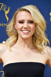 Kate McKinnon rocked big hair at the 2018 Emmys.