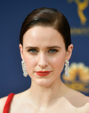 Rachel Brosnahan added major sparkle with a pair of diamond chandelier earrings by Tiffany & Co.
