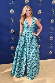 Connie Britton made a vibrant choice with this printed blue gown by Sachin & Babi for the 2018 Emmys.